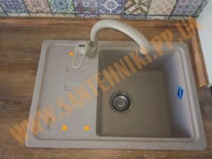 установка кухонной мойки franke и смеситель